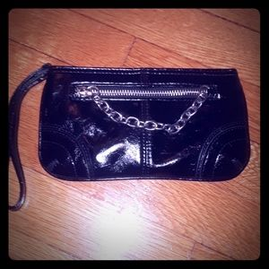 EXPRESS OVERSIZED PATENT LEATHER WRISTLET